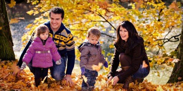 enjoy-fall-season-with-family